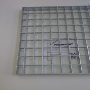 Gegalvaniseerd rooster 300 x 600 mm t.b.v. montage pompen -0