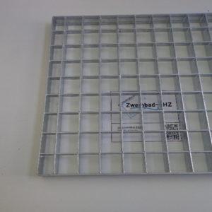 Gegalvaniseerd rooster 600 x 600 mm t.b.v. montage pompen -0