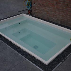 Spa-Jacuzzi model ASSENTO (klik op de foto voor meer informatie) exclusief apparatuur-0
