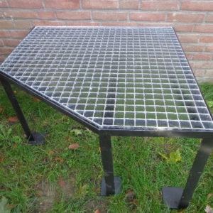 Stalen frame met gegalvaniseerd rooster (op maat gemaakt voor bijv. warmtepomp of zandfilterset) VANAF : -0