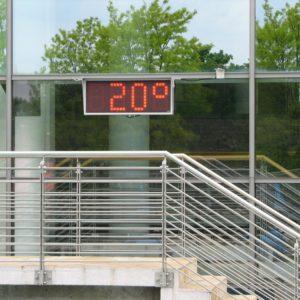 Digitale zwembadklok met temperatuurweergave (230V) voor openbare zwembaden -0