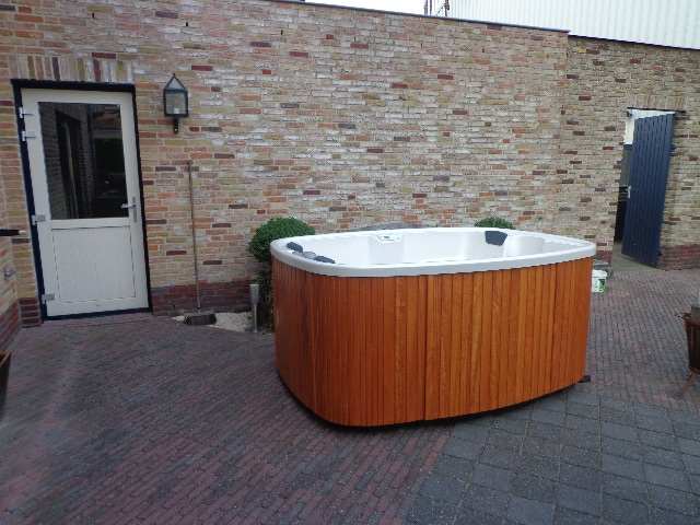 Teuco portable spa model 627 NHR (showroom model) incl. installatie en bezorging in NL-4329